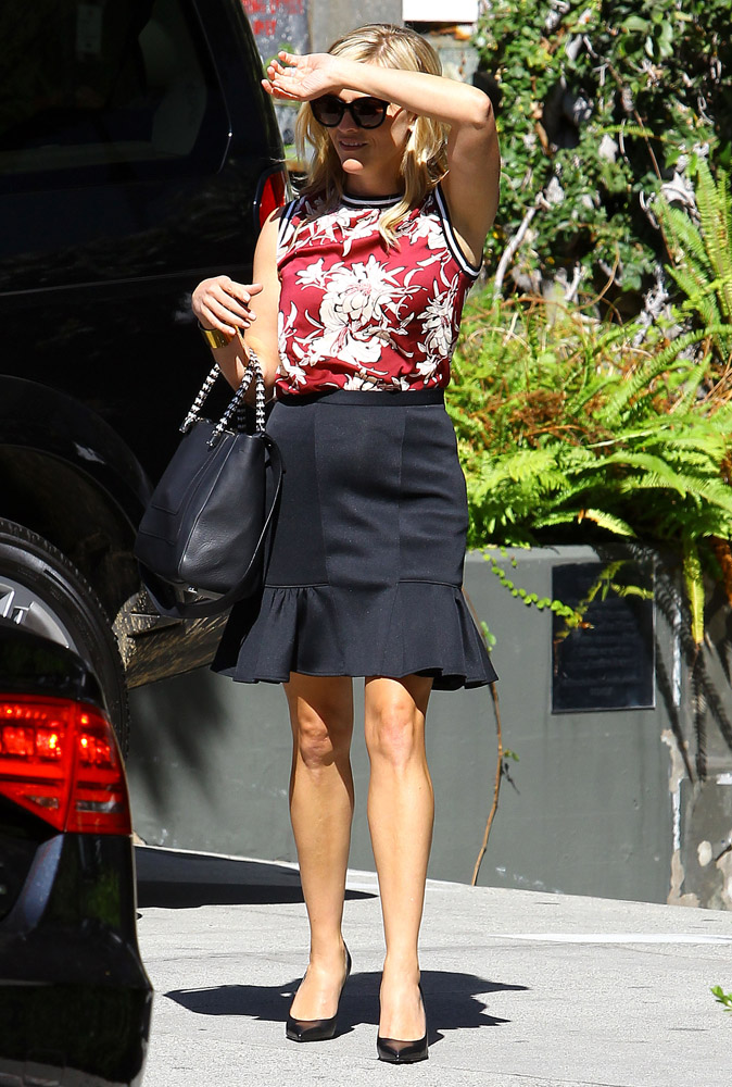 Reese Witherspoon Bulgari Serpenti Tote 3