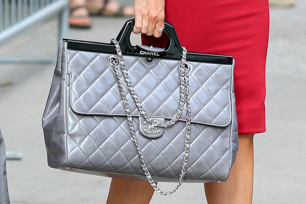 Женская сумка из натуральной кожи Chanel Classic