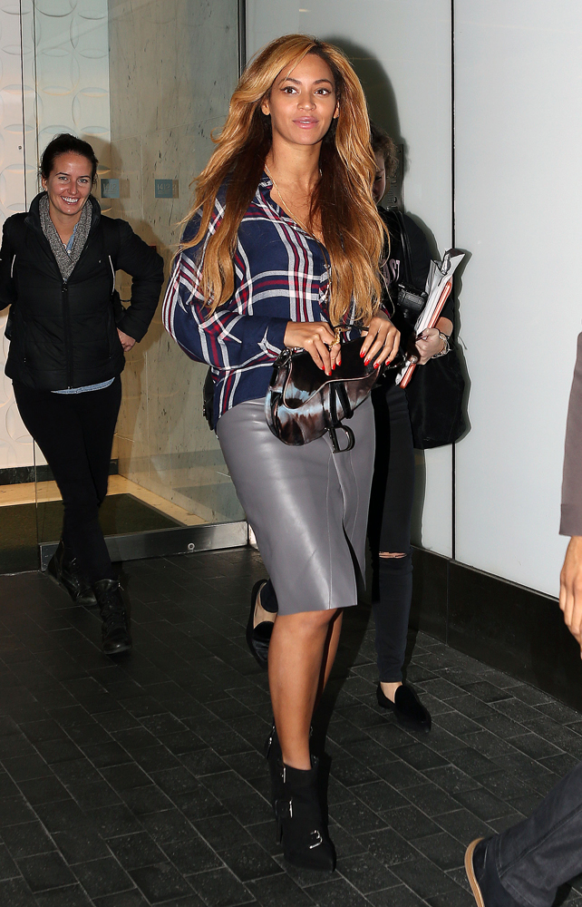 Beyonce Pulled A Dior Saddle Bag From The Back Of Her