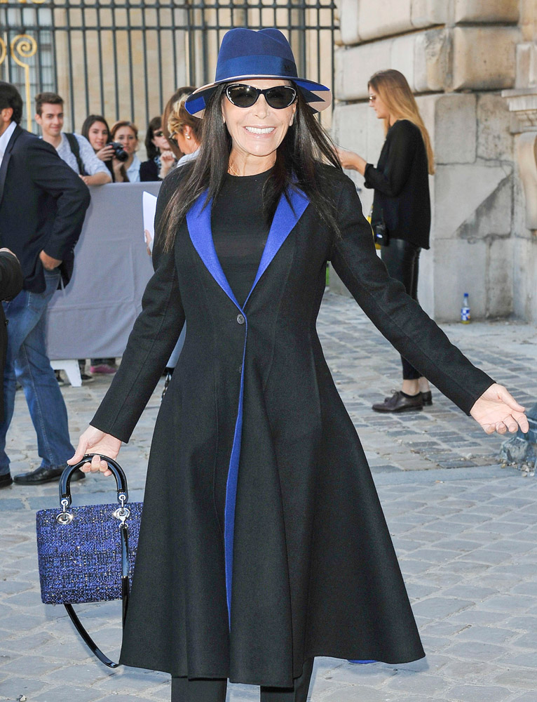 75+ Bags and the Celebs Who Carried Them at Paris Fashion ...