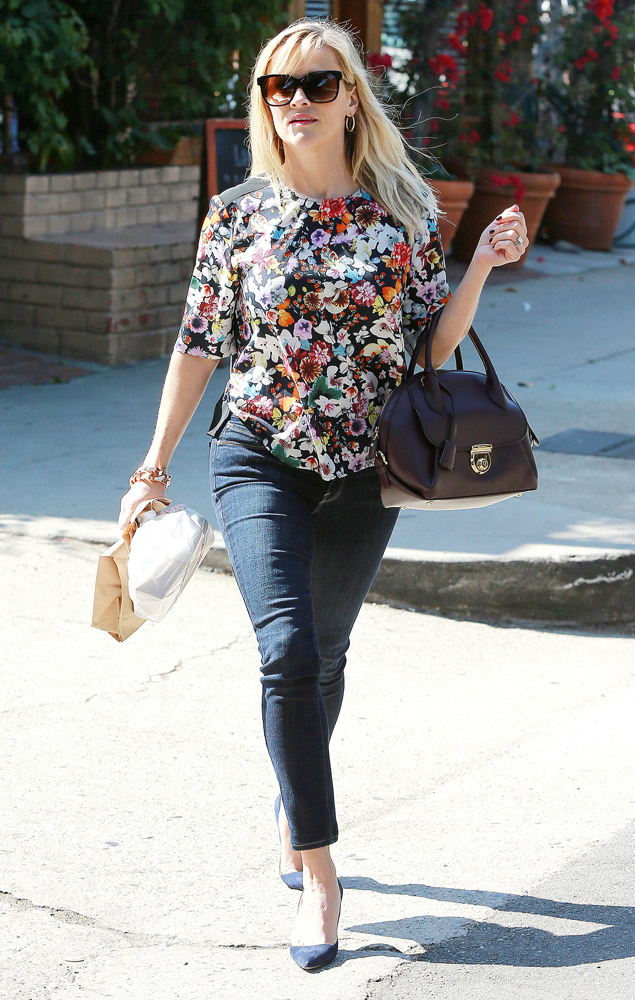 Reese Witherspoon Salvatore Ferragamo Fiamma Bag 2