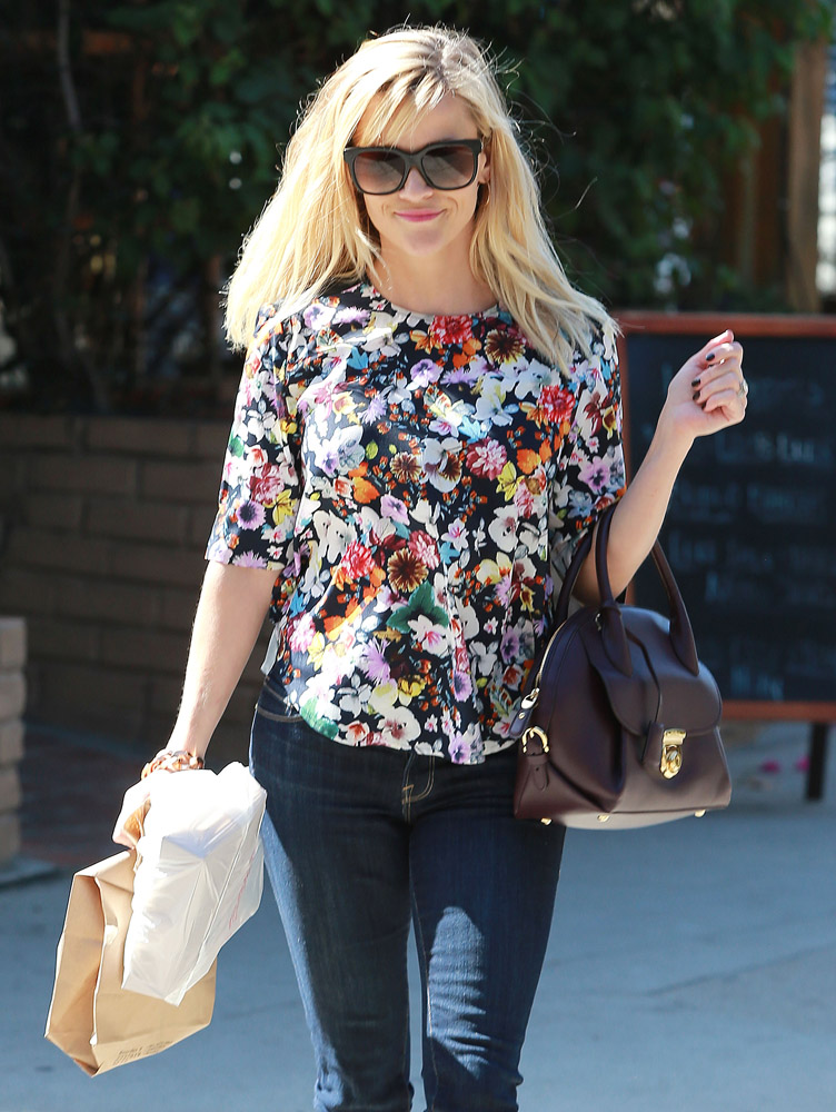 Reese Witherspoon Salvatore Ferragamo Fiamma Bag 3