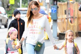 Sarah Jessica Parker Carries Snob Essentials