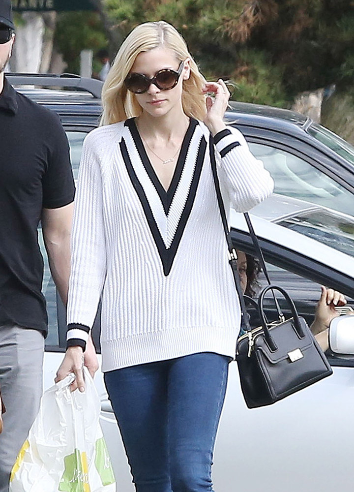 The Many Bags of Jaime King-11