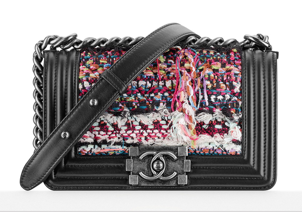d0f31015057b Check Out Chanel's Dubai-Themed Cruise 2015 Bags, in Boutiques Now ...