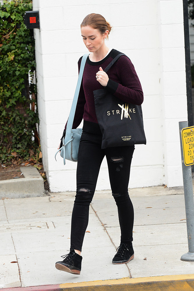 Emily Blunt Coach Dakotah Bag-4