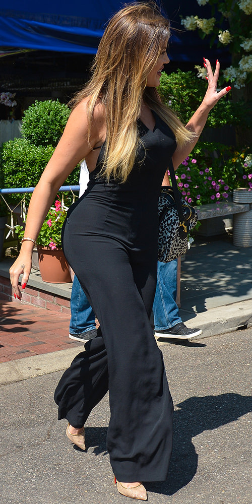 The-Many-Shoes-of-Khloe-Kardashian_2