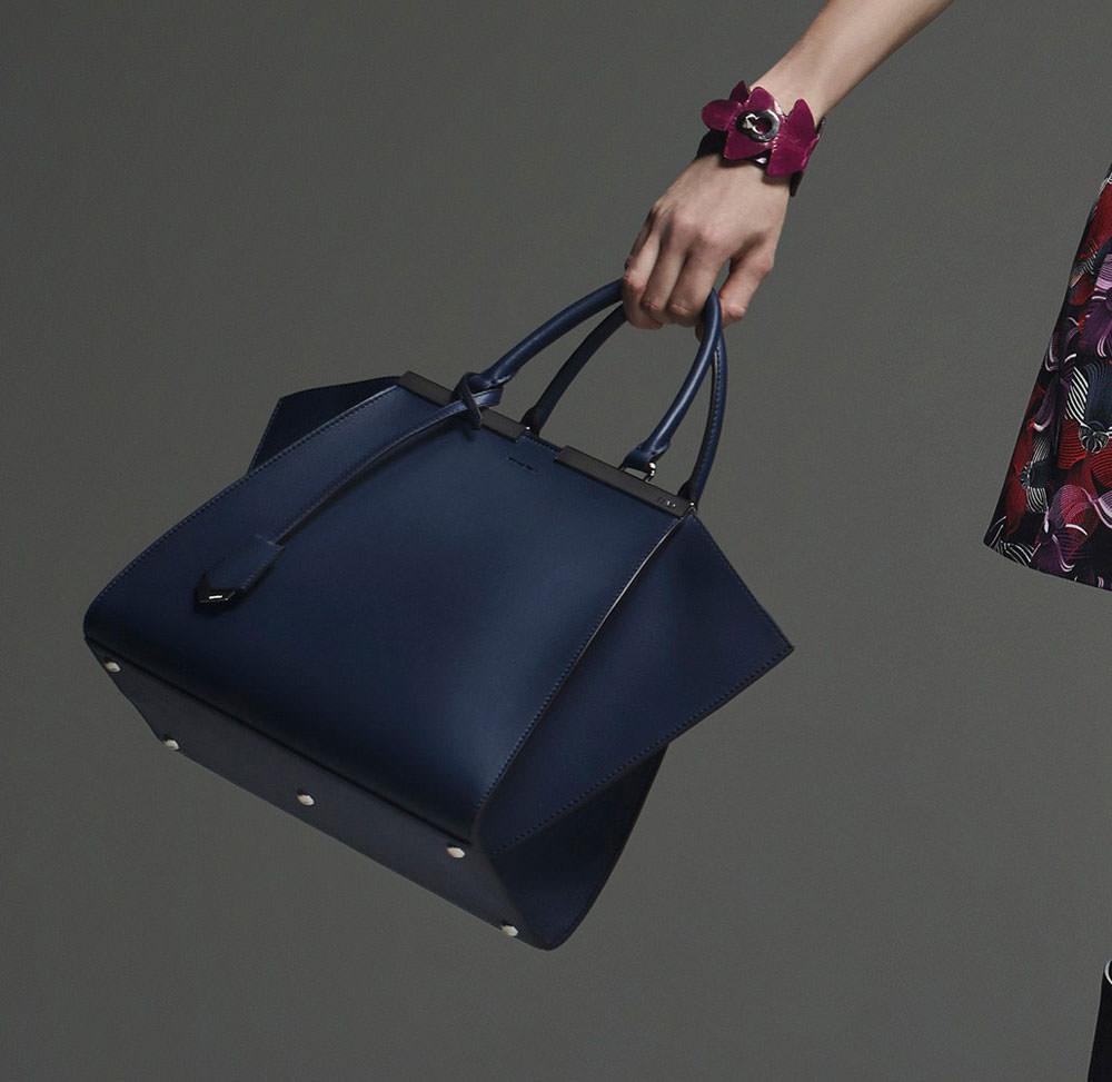 Fendi-Pre-Fall-2015-Handbags-16