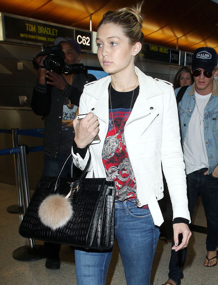 Gigi-Hadid-Saint-Laurent-Croc-Embossed-Sac-de-Jour-Bag