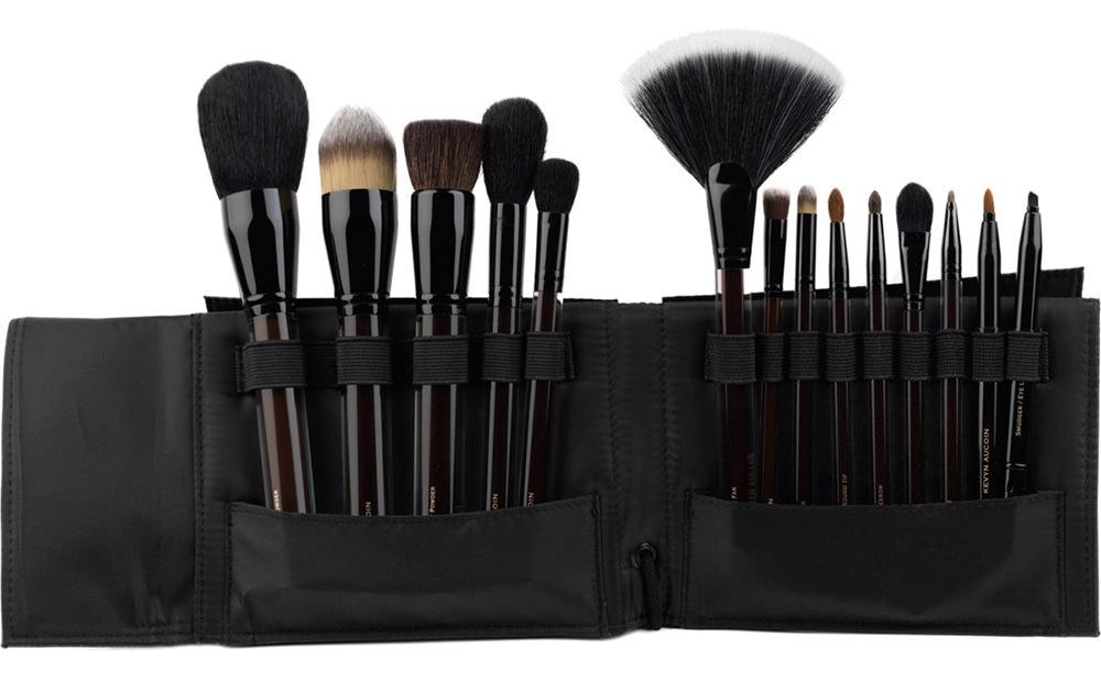 Kevyn Aucoin Essential Brush Set