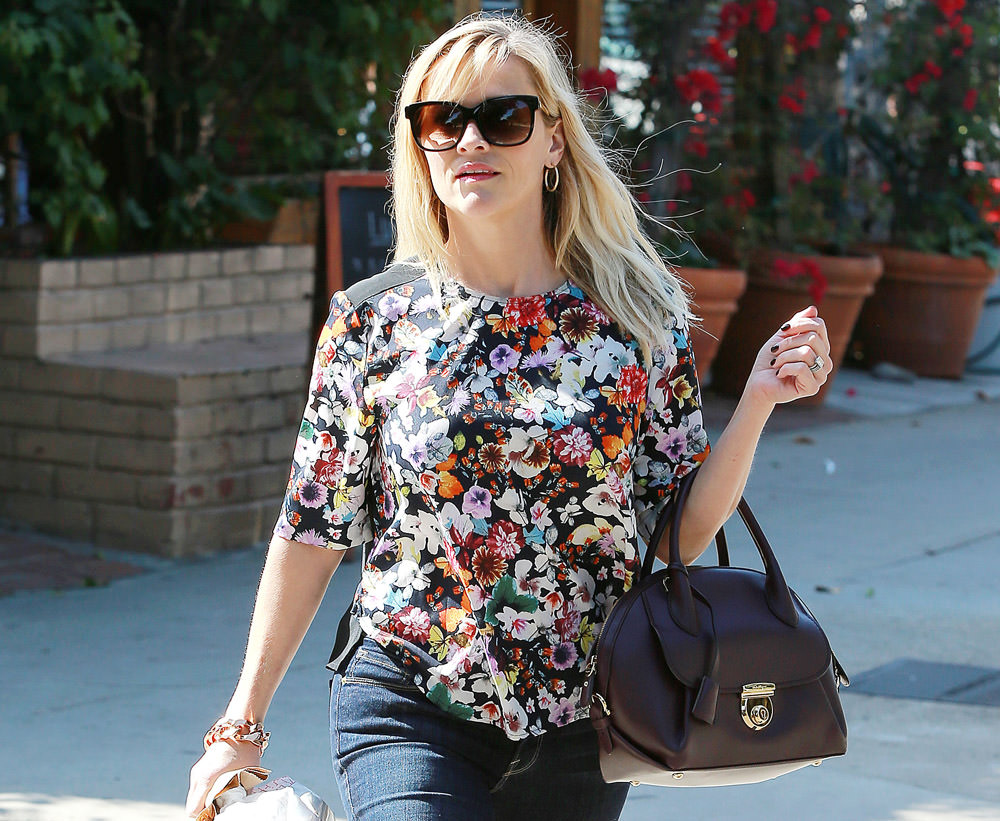 Reese-Witherspoon-Salvatore-Ferragamo-Fiamma-Bag