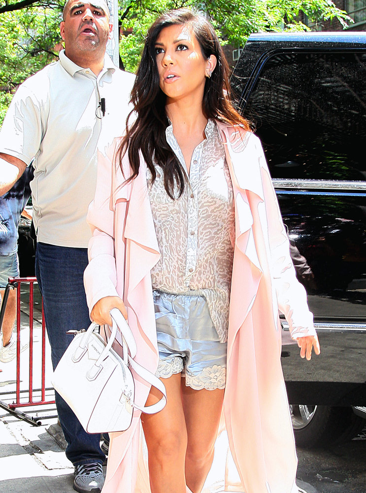 Kourtney Kardashian spotted out shopping in NYC