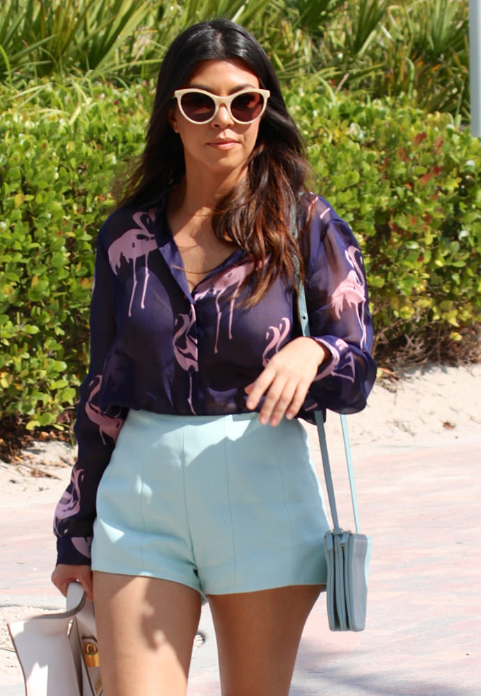 22f92a79927f Kourtney Kardashian and Scott Disick spend the day at the beach in Miami
