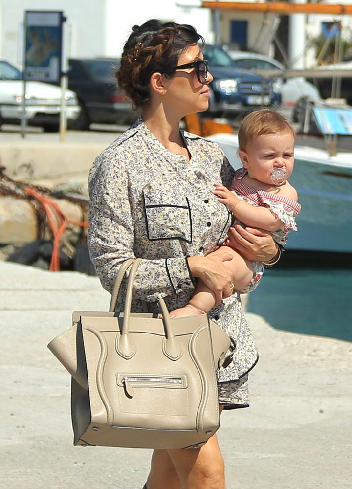 Khloe Kardashian And Kourtney Carry Her Children To A Yacht Ride In Mykonos Greece