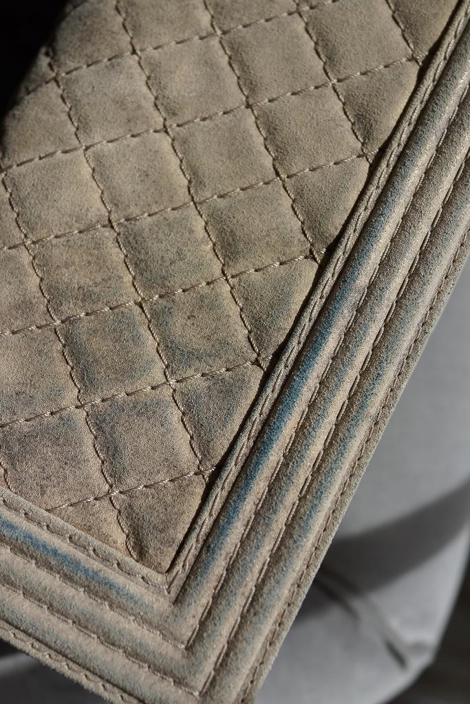 Chanel Boy Bag Discoloration-3