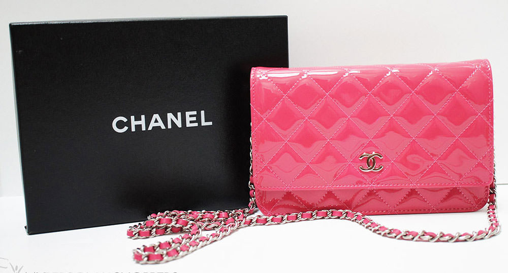 Chanel-Patent-Wallet-On-Chain-Bag
