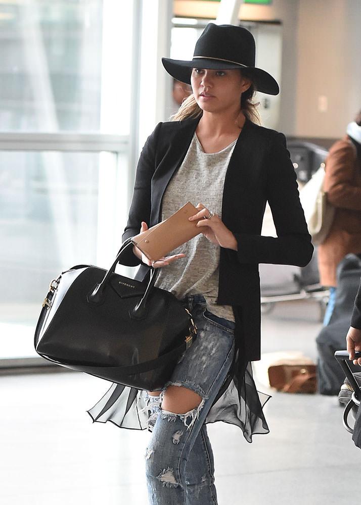 Chrissy-Teigen-Givenchy-Antigona-Bag