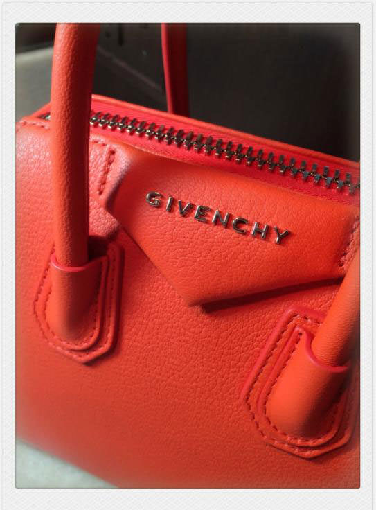 Givenchy-Antigona-Tag