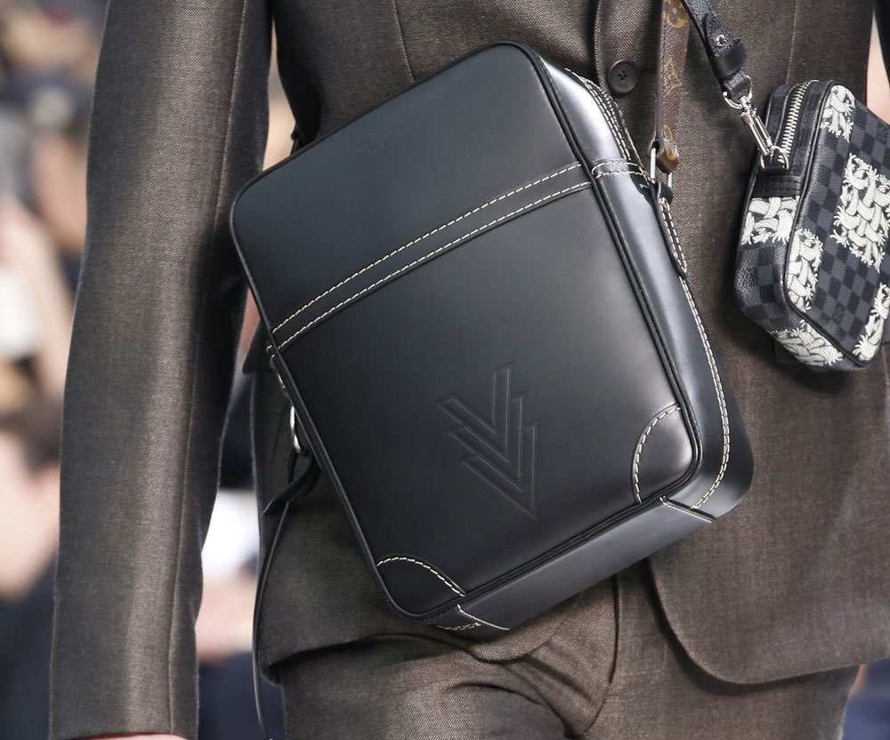 Louis-Vuitton-Fall-2015-Menswear-Bags-17