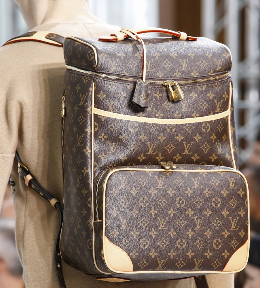 Louis-Vuitton-Fall-2015-Menswear-Bags-19