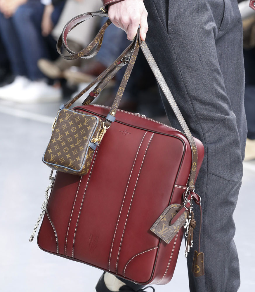 Louis-Vuitton-Fall-2015-Menswear-Bags-20