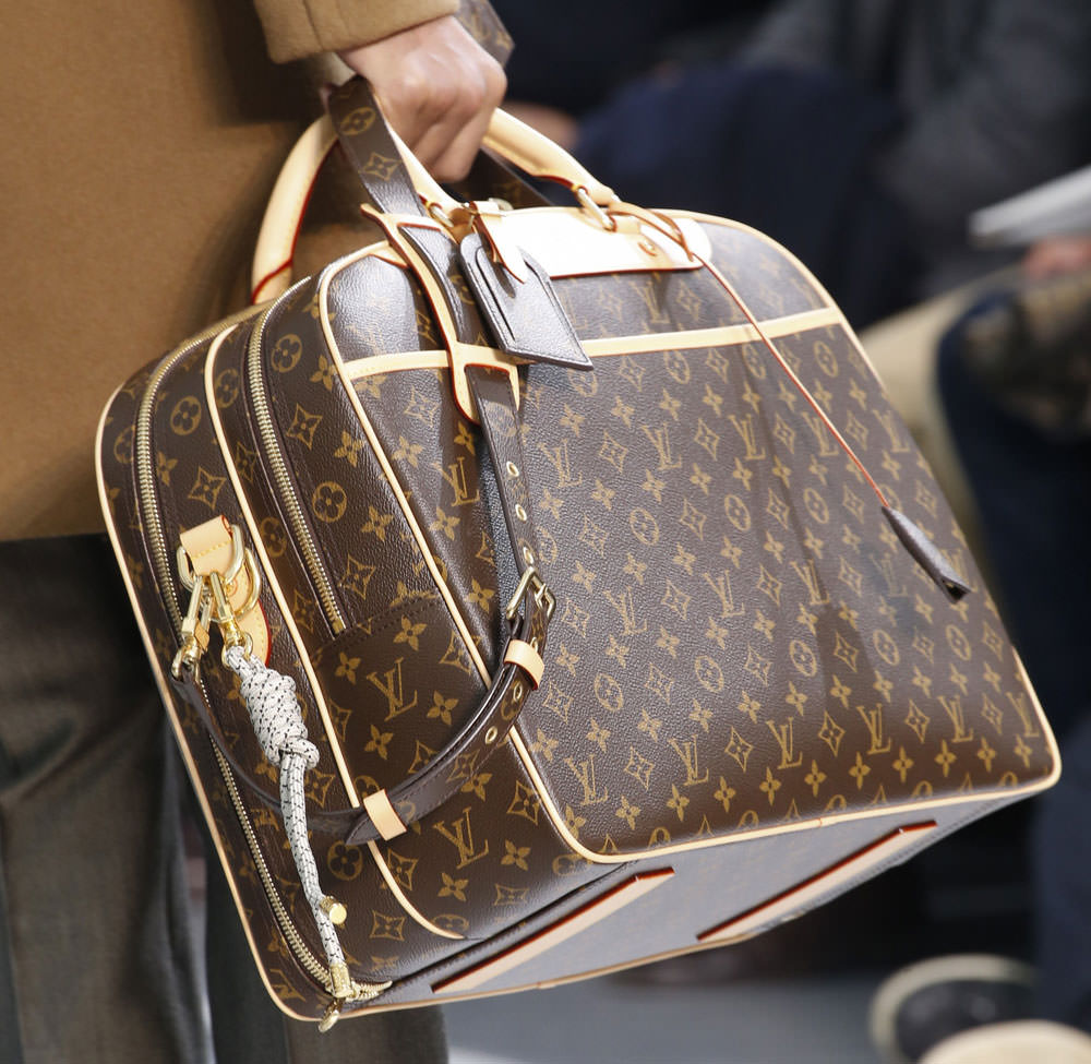 Louis-Vuitton-Fall-2015-Menswear-Bags-22