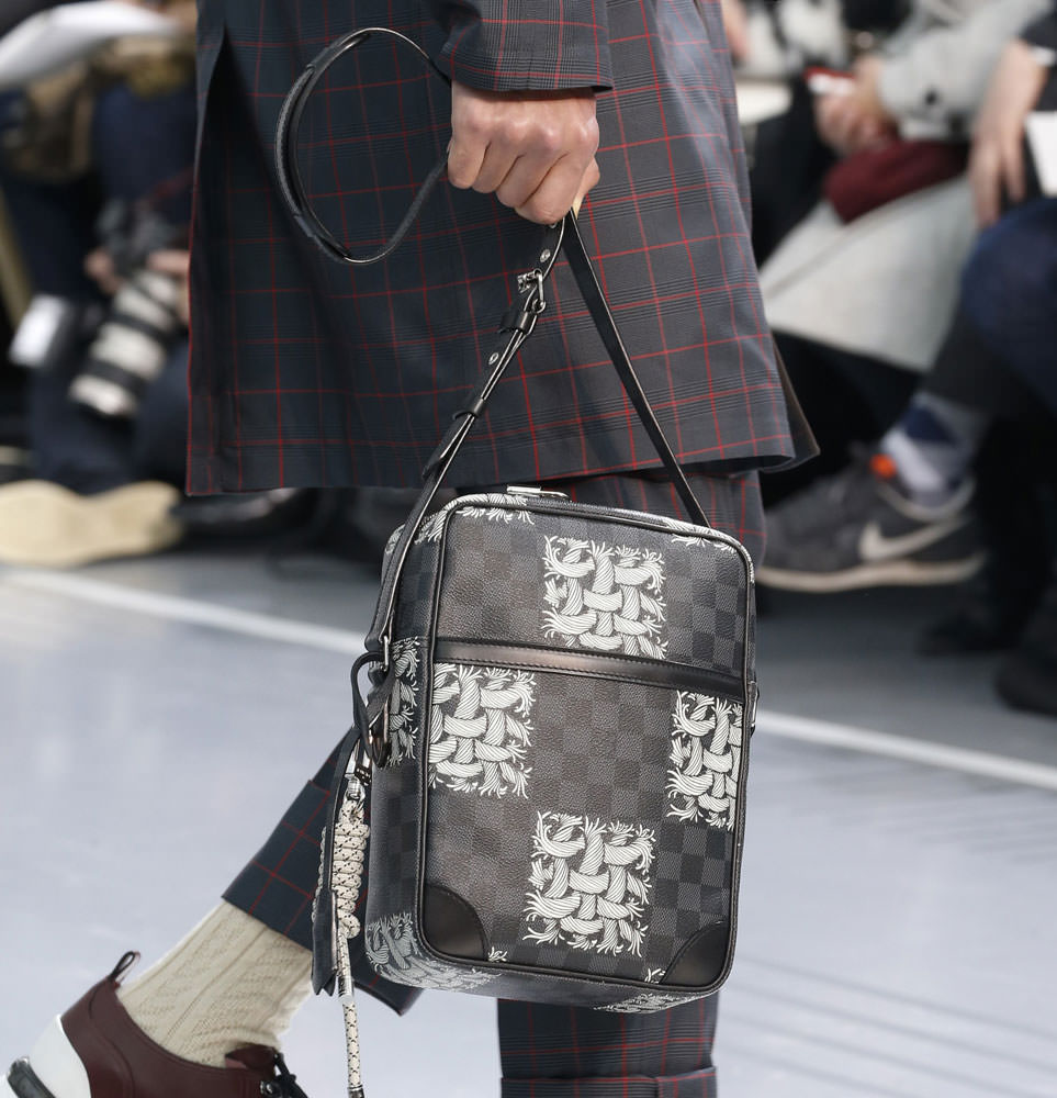 Louis-Vuitton-Fall-2015-Menswear-Bags-6