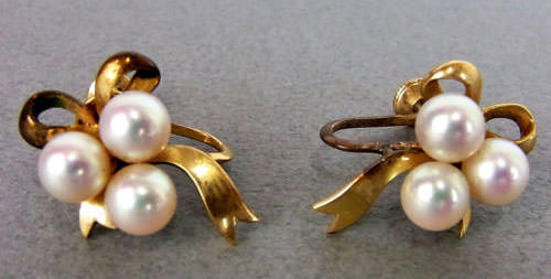Mikimoto-Pearl-Bow-Earrings