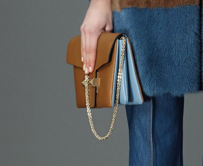 Valentino-Pre-Fall-2015-Bags-12