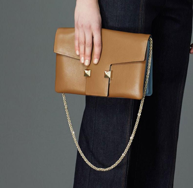 Valentino-Pre-Fall-2015-Bags-21