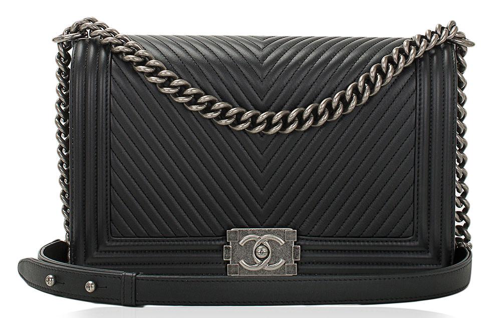Chanel-Chevron-Boy-Bag-Black
