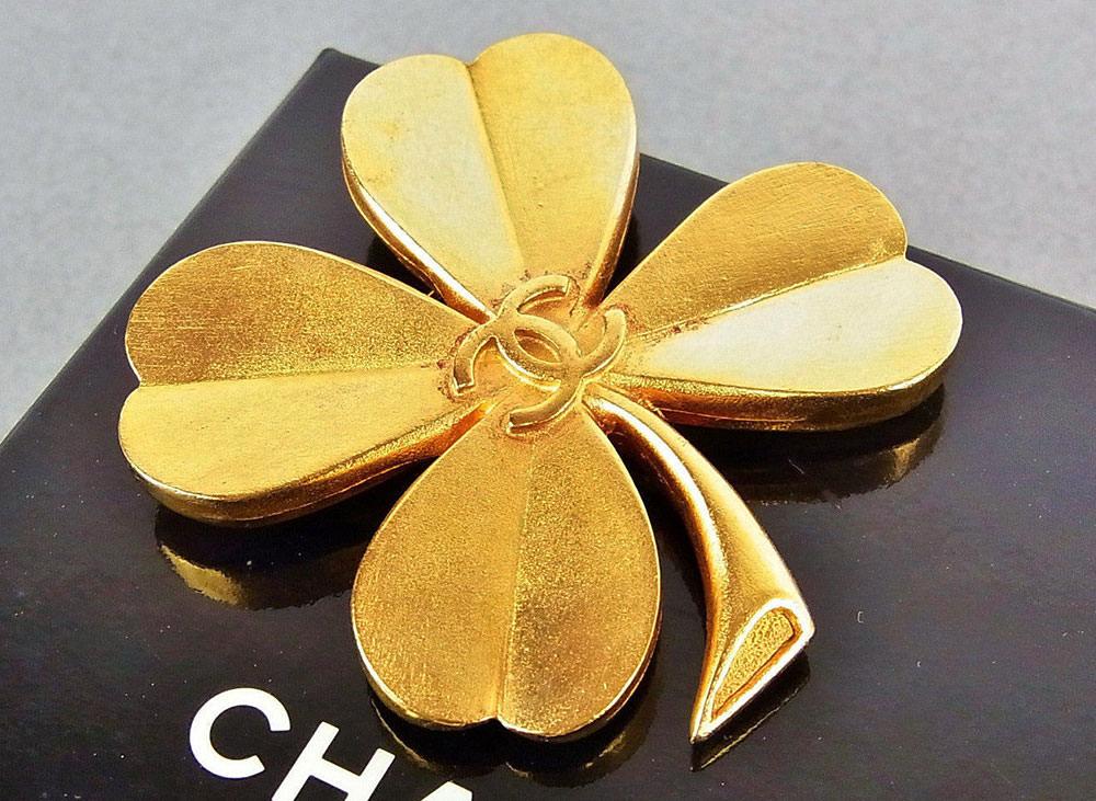 Chanel-Four-Leaf-Clover-Brooch