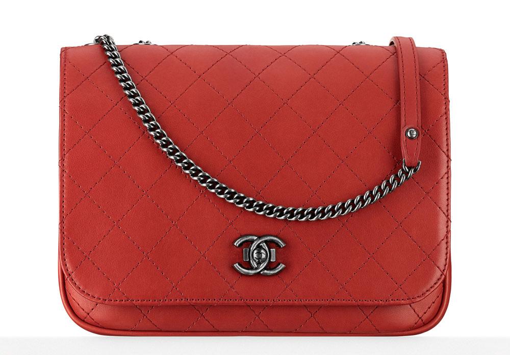Chanel-Large-Messenger-Bag