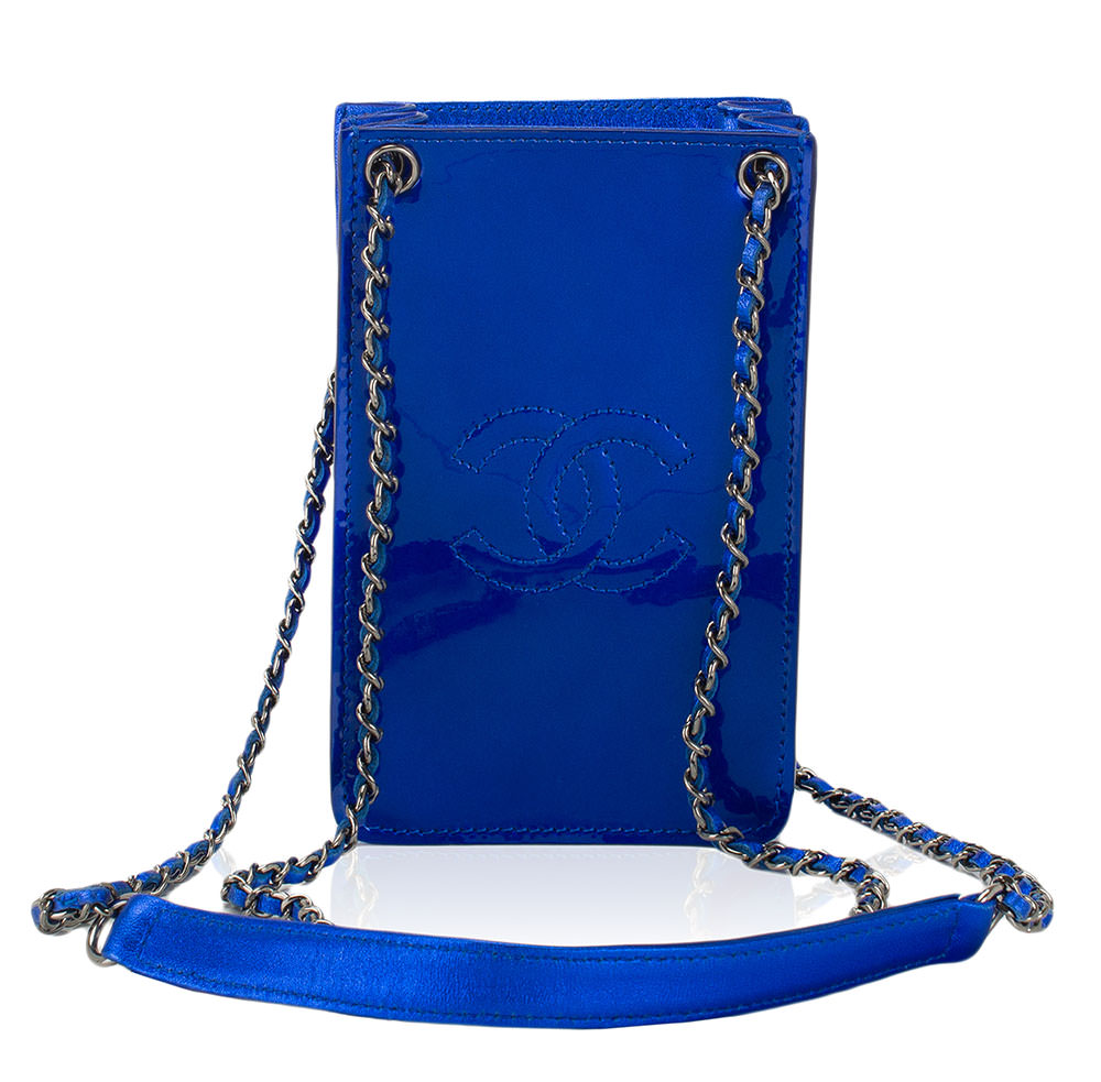 Chanel-Patent-Phone-Pouch
