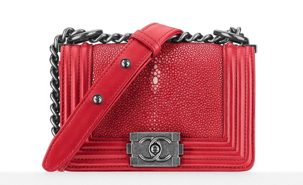 Chanel-Small-Stingray-Boy-Bag-Red