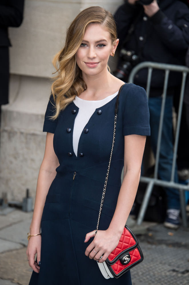 Dylan-Penn-Chanel-Mini-Flap-Bag