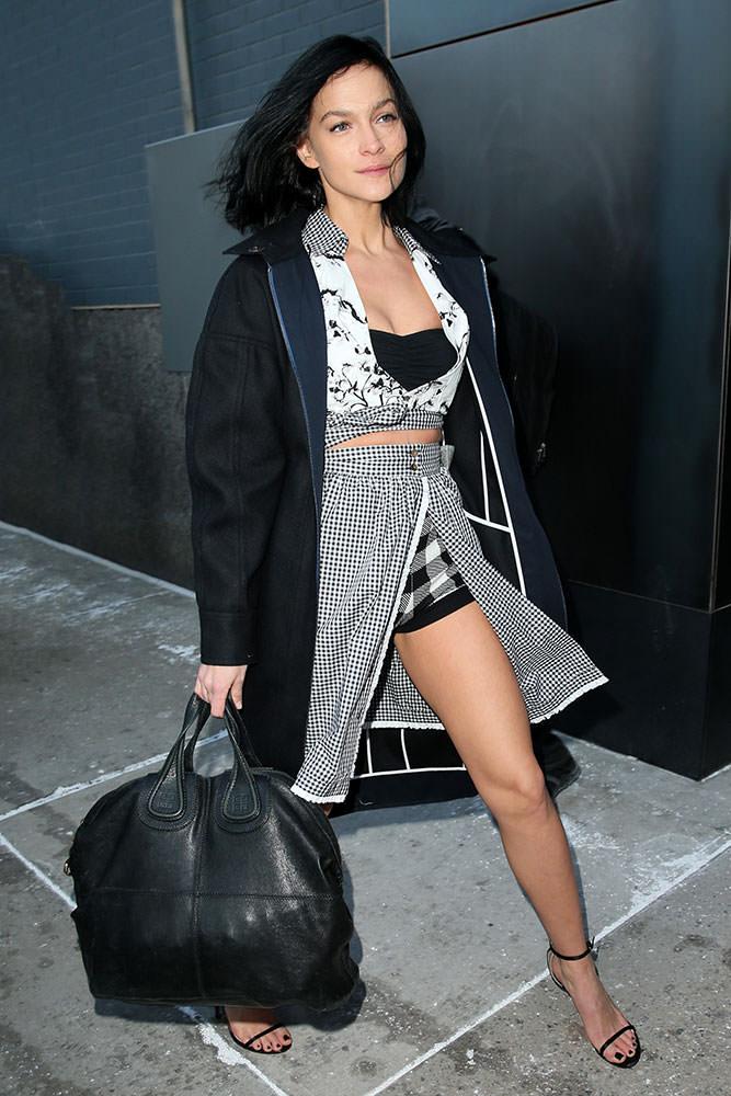 Leigh-Lezark-Givenchy-Nightingale-Bag