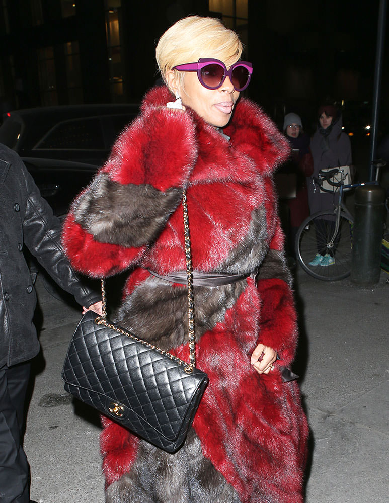 Mary-J.-Blige-Chanel-Classic-Flap-Bag
