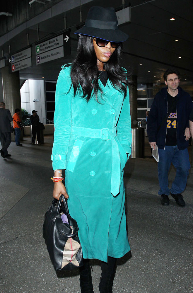 Naomi-Campbell-Burberry-Leather-and-Checked-Canvas-Tote
