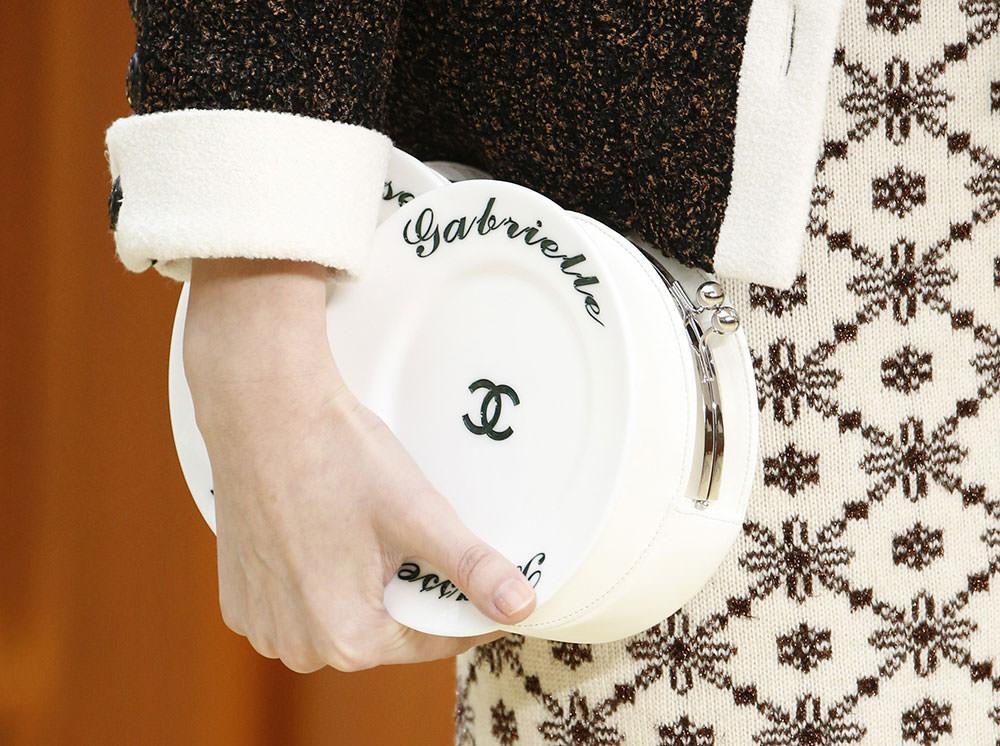 Chanel-Fall-2015-Handbags-11