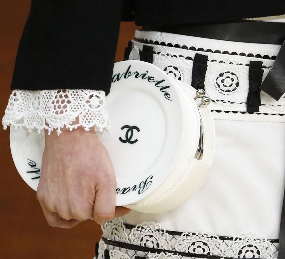 Chanel-Fall-2015-Handbags-14