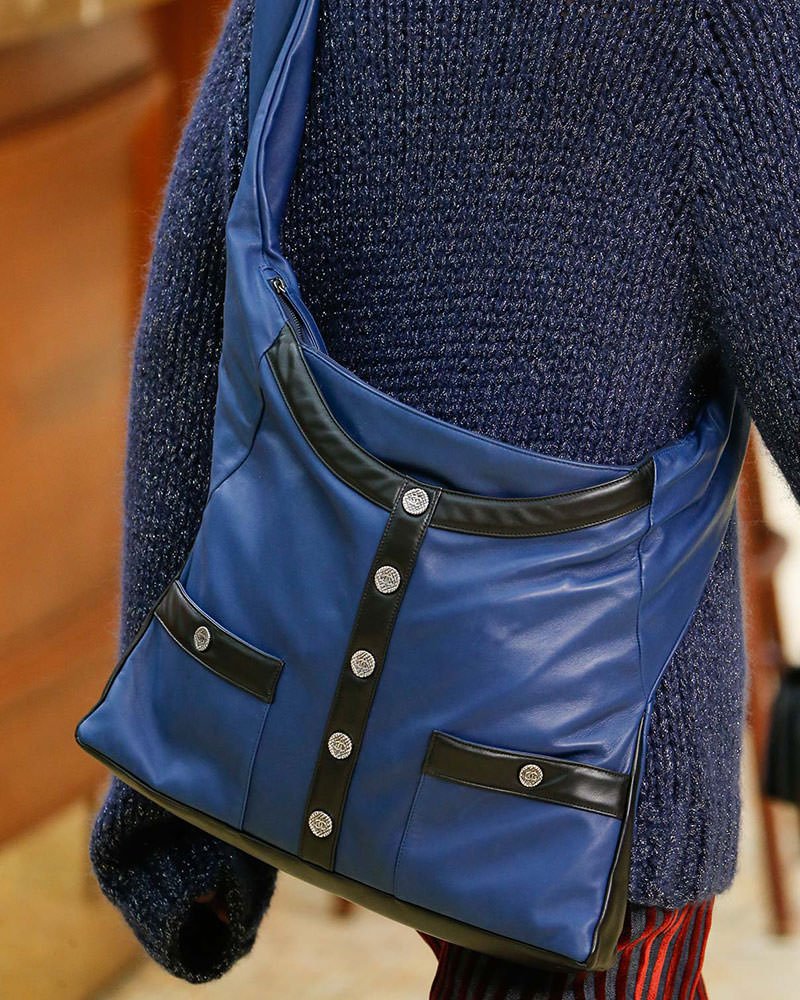 Chanel-Fall-2015-Handbags-16