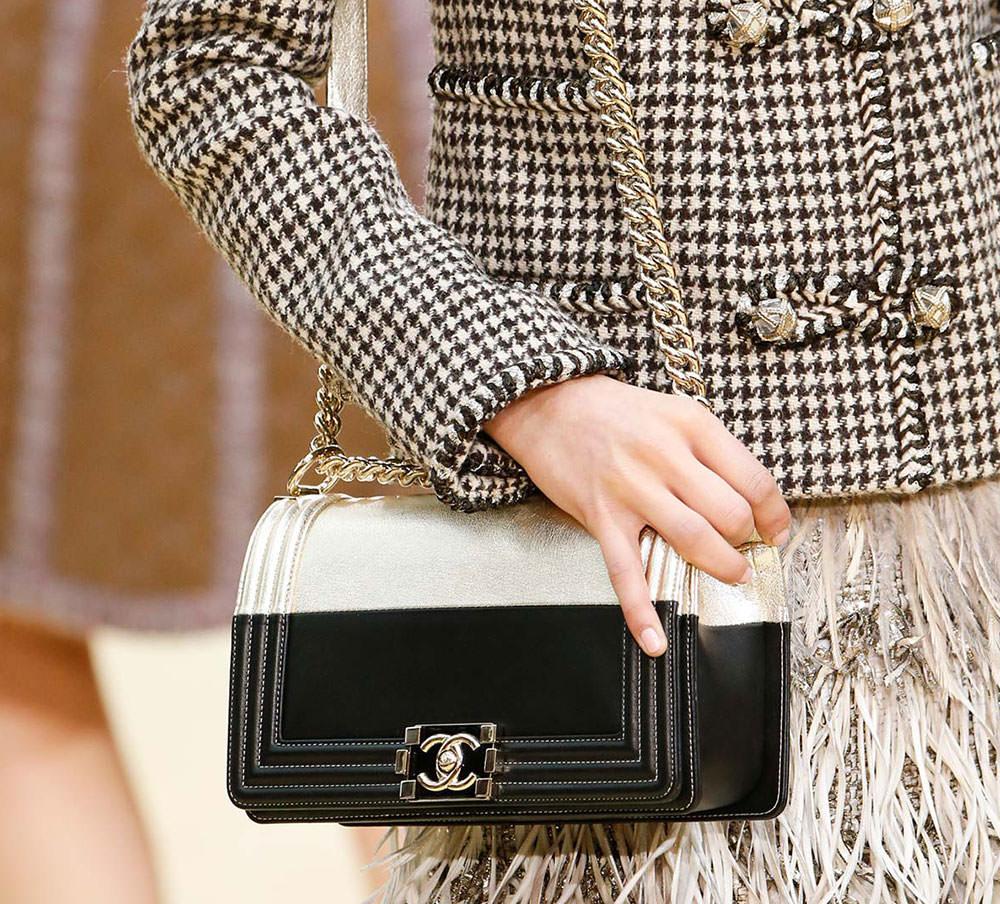 Chanel-Fall-2015-Handbags-19