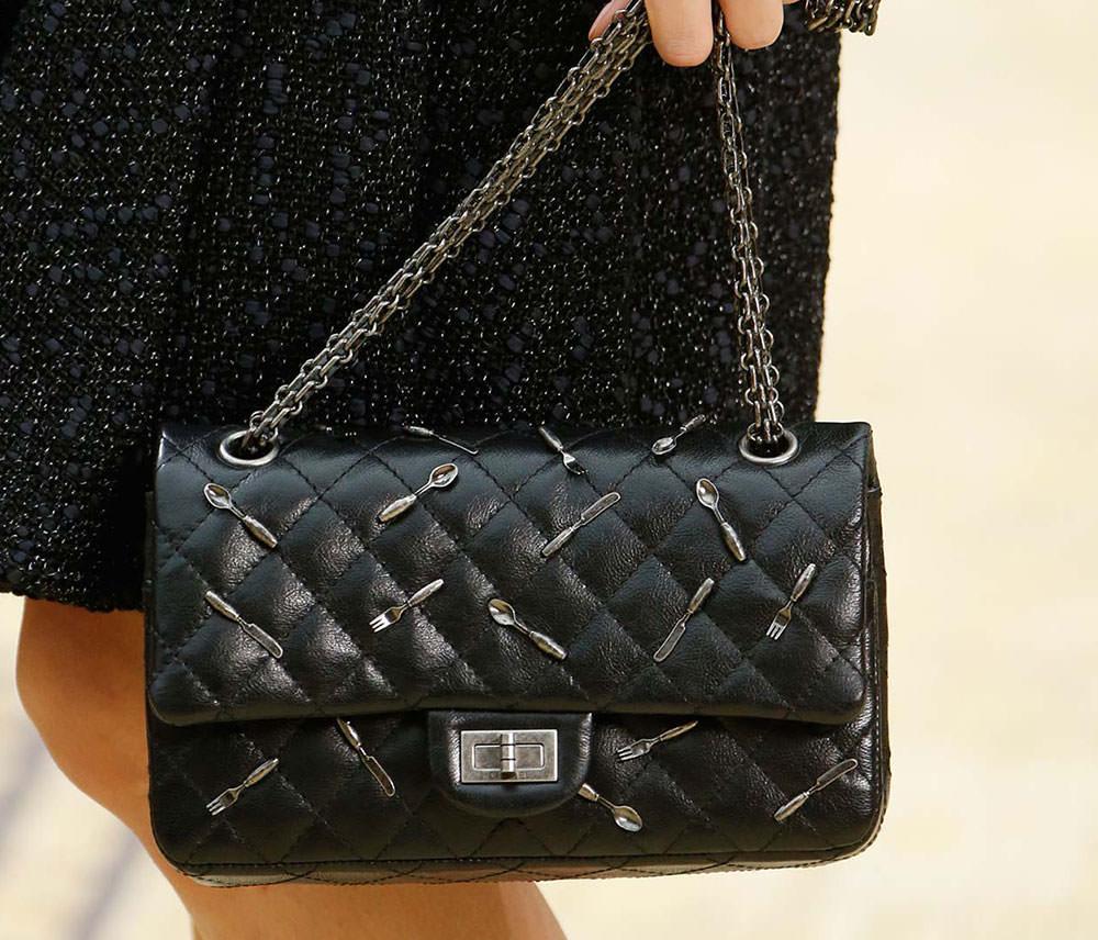 Chanel-Fall-2015-Handbags-22