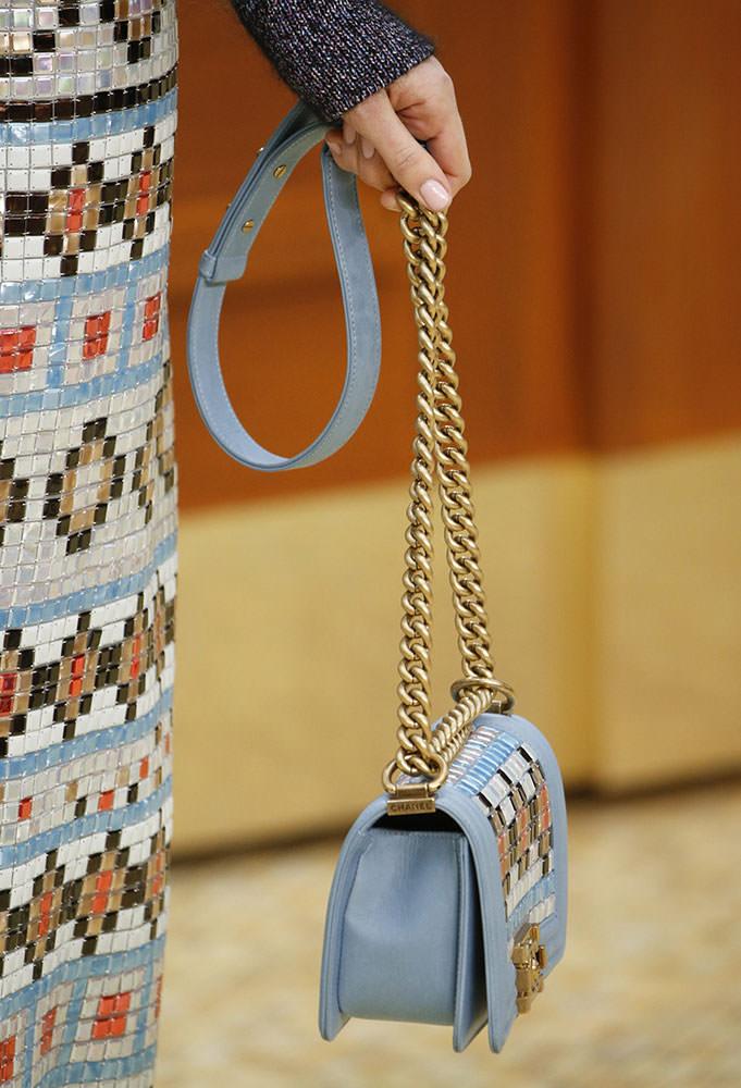 Chanel-Fall-2015-Handbags-3