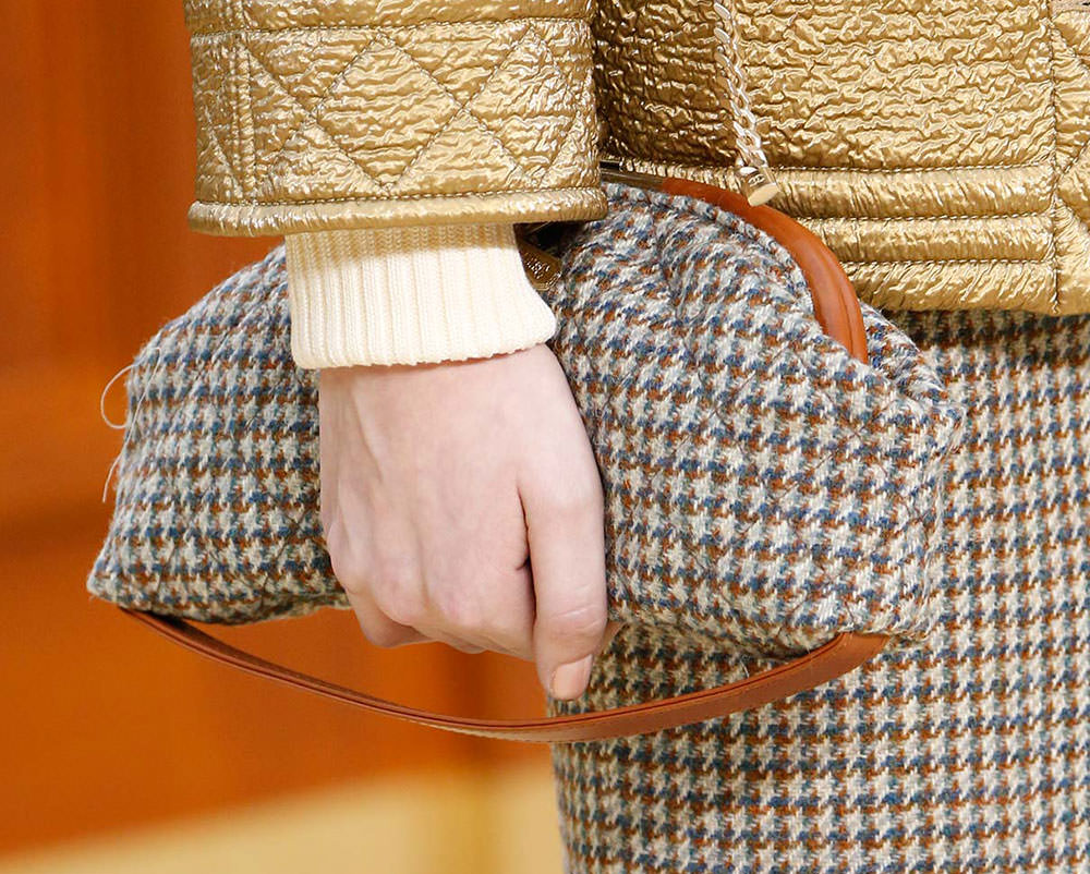 Chanel-Fall-2015-Handbags-30