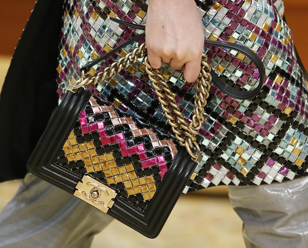 Chanel-Fall-2015-Handbags-7