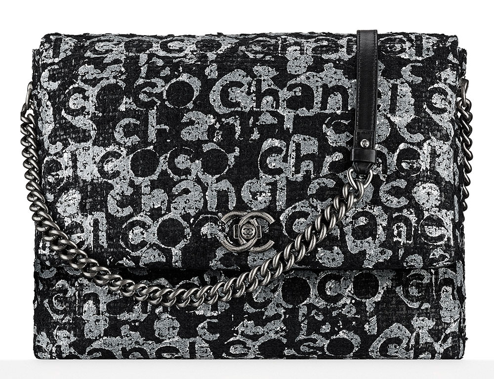 Chanel-Painted-Tweed-Messenger-Bag-4600