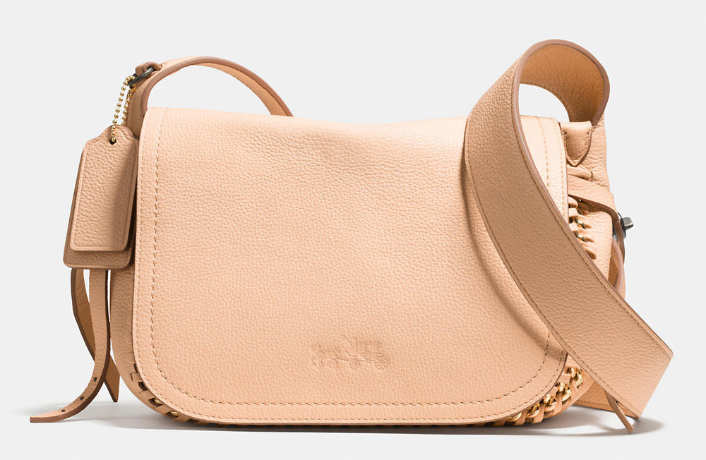 26 Pretty, Pale Bags to Add a Note of Spring to Your Wardrobe ... 3234970a73