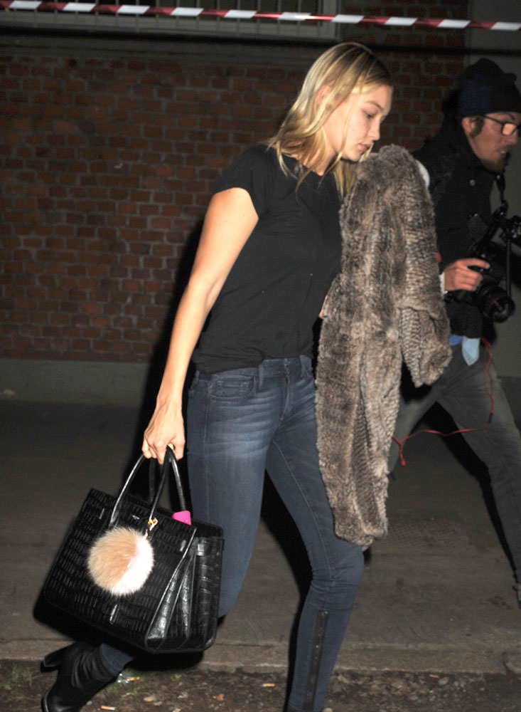 Gigi-Hadid-Saint-Laurent-Sac-de-Jour-Bag